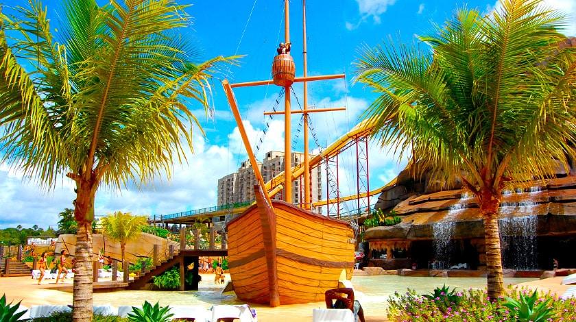 Navio pirata, uma das atrações do diRoma Acqua Park