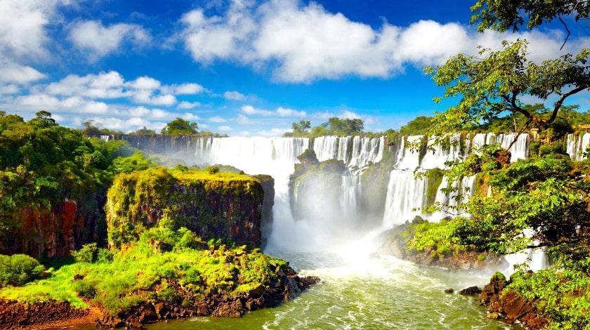 Cataratas do Iguaçu, em Foz do Iguaçu, ótimo destino para os feriados 2021