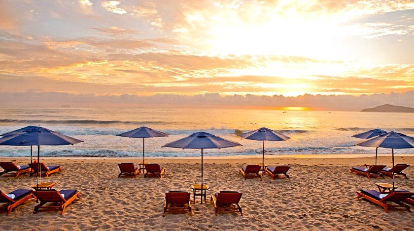 Praia onde está o Infinity Blue, resort romântico em Balneário Camboriú