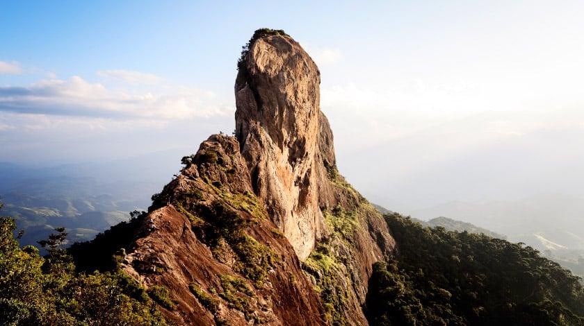 Vista geral da Pedra do Baú