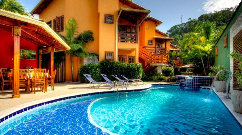 Piscina do Refúgio Tropical Pousada, em Paraty