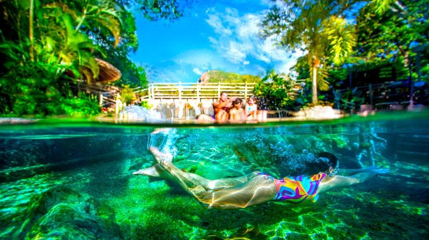 Foto de uma das piscina do completo Rio Quente