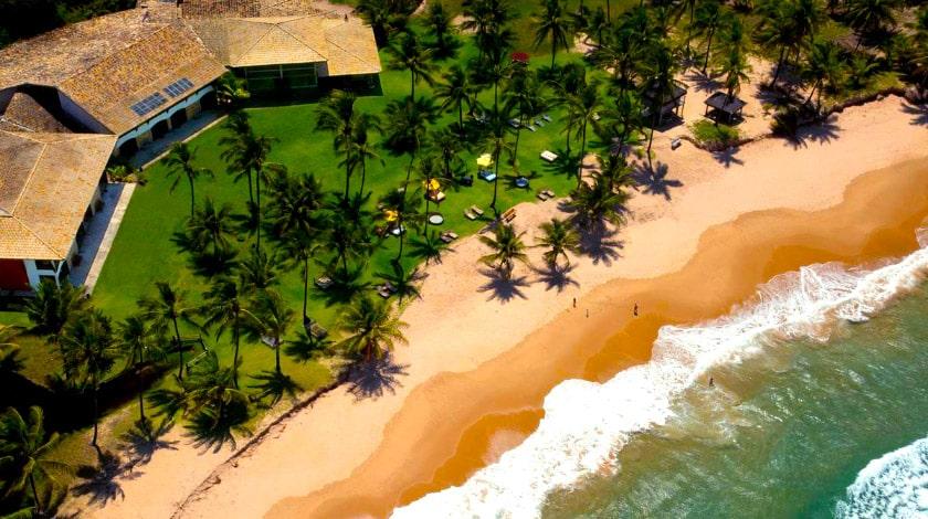 Vista aérea da pousada Taipu de Fora, em Maraú, na Bahia