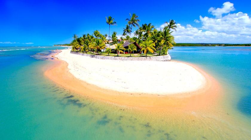 Praia onde está o Arraial d'Ajuda Eco Resort, oferta da Bahia Week