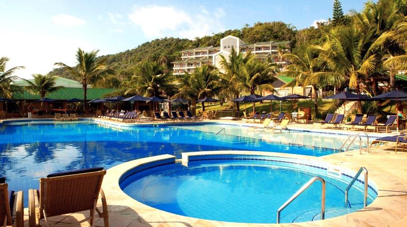 Piscinas Infinity Blue Resort