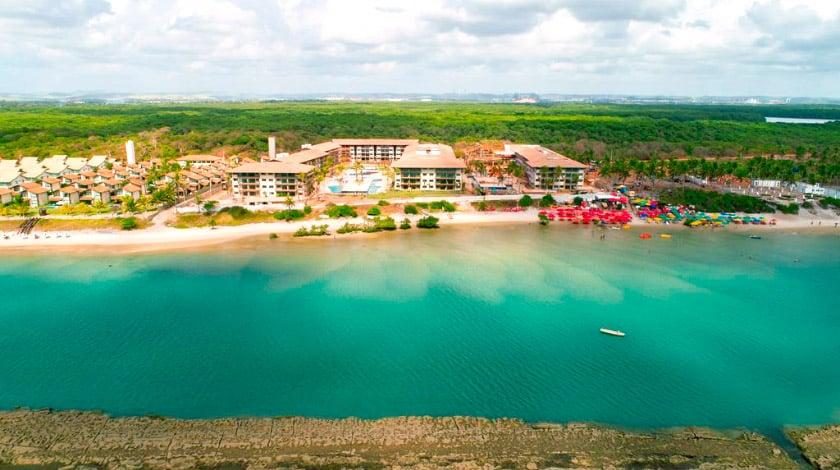 Vista geral da Praia do Muro Alto e do Samoa Beach Resort