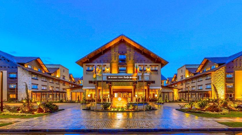 Vista da fachada do Wyndham Gramado Resort