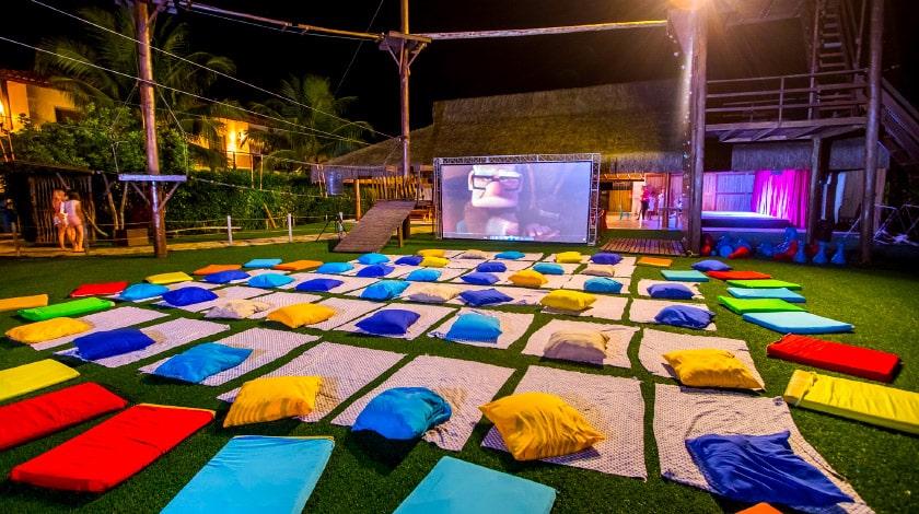 Cinema do La Torre Resort, em Porto Seguro, perfeito para o Dia das Crianças