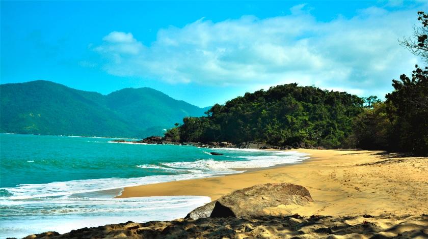 Praia da Almada, em Ubatuba, quase na divisa com Rio de Janeiro
