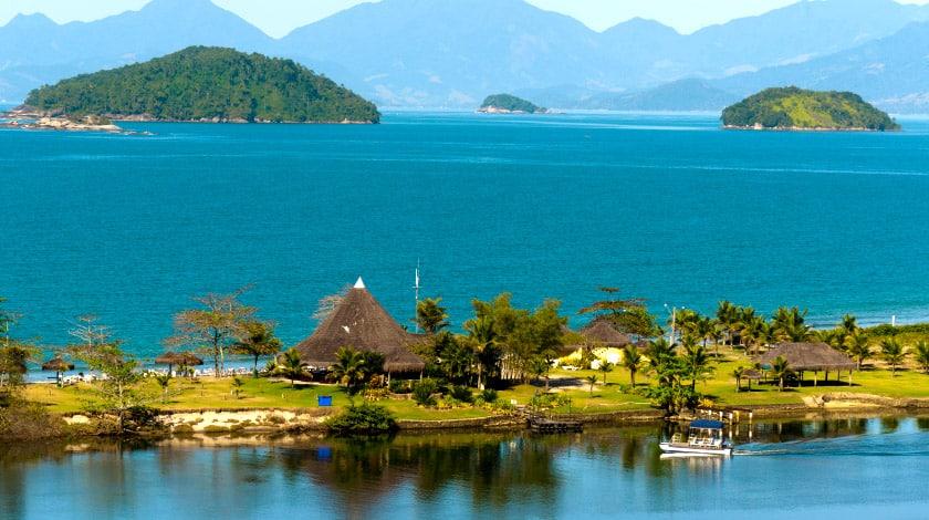 Localização à beira-mar e à beira-rio do Hotel do Bosque Eco Resort