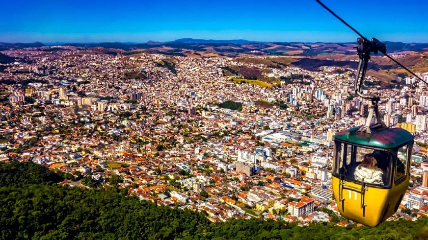 Passeio de teleférico em Poços de Caldas, em Minas Gerais