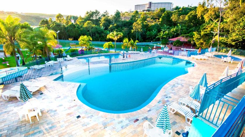 Área da piscina do Vilage Inn Poços de Caldas