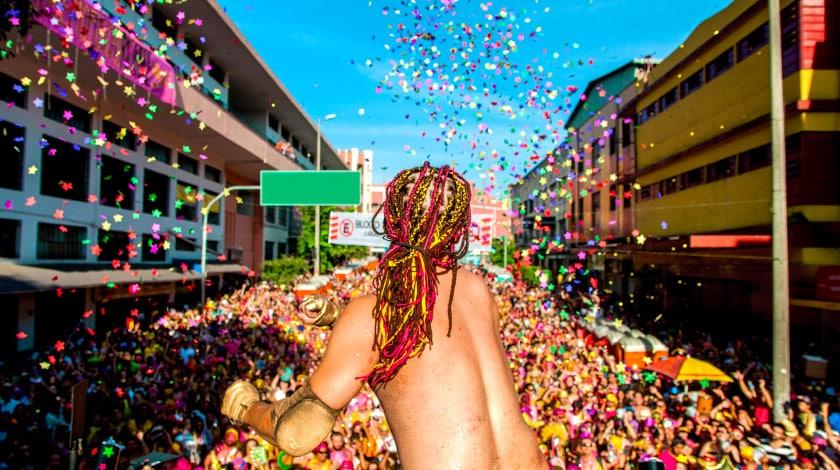 Trio em Salvador no Carnaval no Brasil