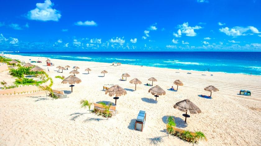 Vista geral da Playa Delfines, em Cancun