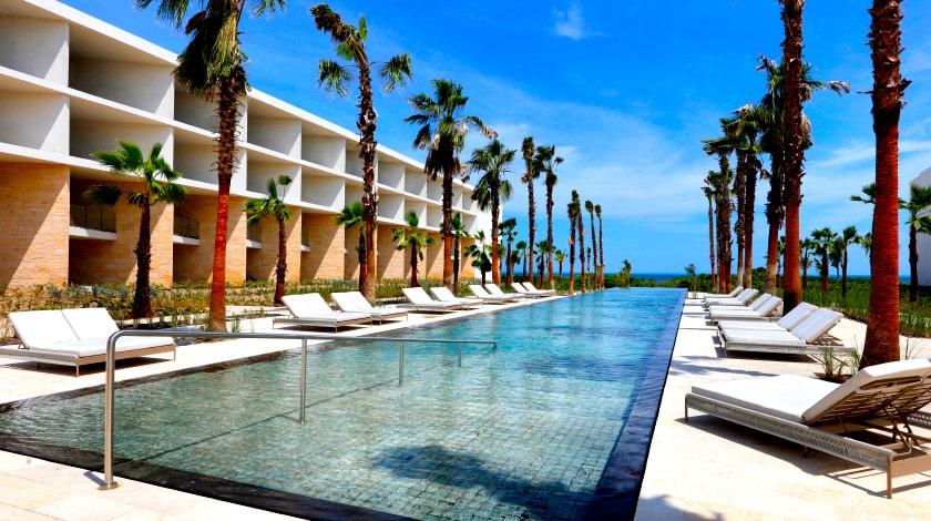 Vista para acomodações e piscina do TRS Coral by Palladium, em Costa Mujeres