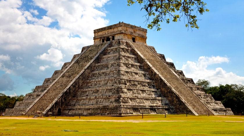 Templo de Kukulcán, em Chichén Itza, a 200 km de Cancun