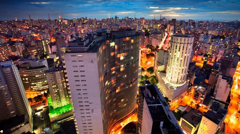 Vista aérea para os prédios do centro de São Paulo