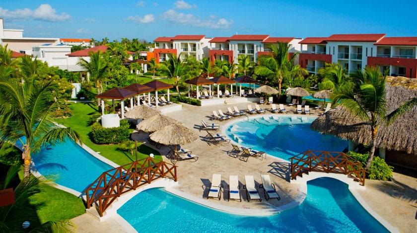 Área da piscina do Now Larimar Punta Cana