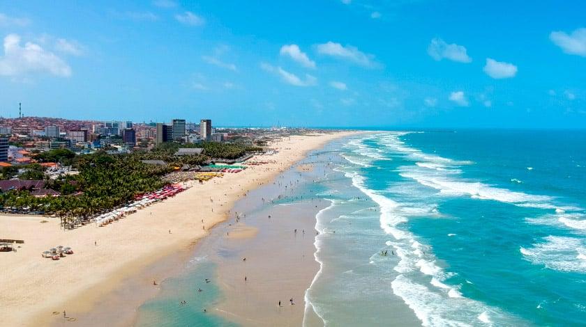 Vista aérea da Praia do Futuro, em Fortaleza, Ceará