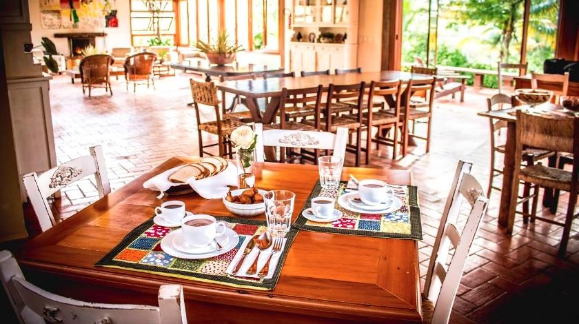 Mesa de café na Fazenda Santa Teresa