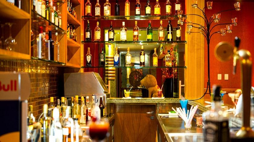 Ocean Lounge, um dos bares do Hotel Porto Real