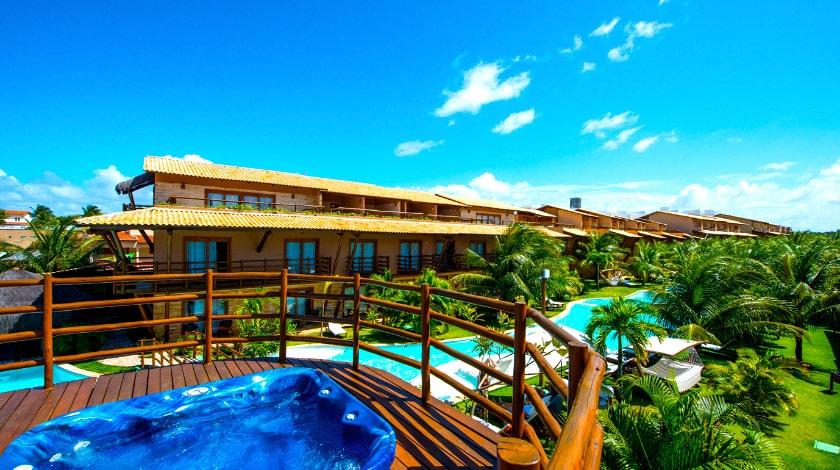 Vista geral do Praia Bonita Resort desde a jacuzzi