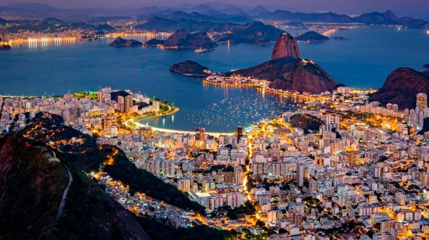Rio de Janeiro à noite.
