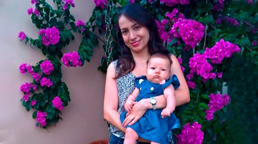 Sara e Alice no jardim