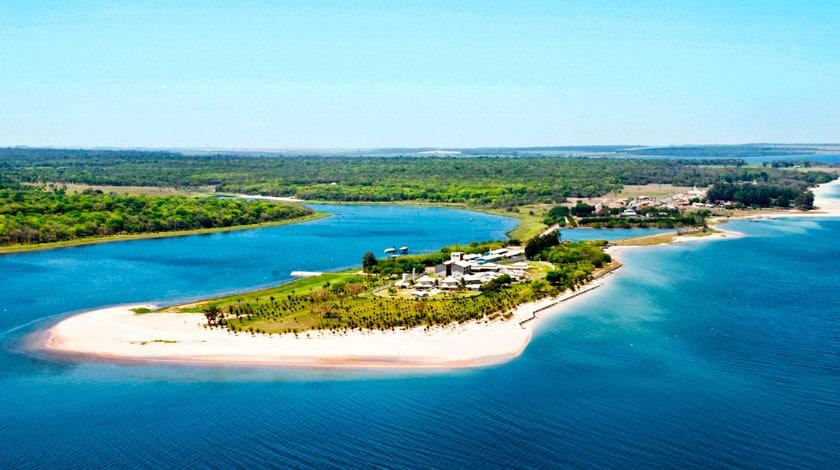 Vista aérea do Resort da Ilha, hotel com os descontos da Summertime