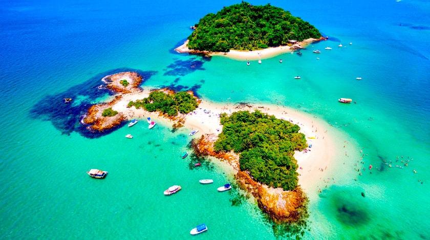 Vista aérea das Ilhas de Cataguases, no litoral do Rio de Janeiro
