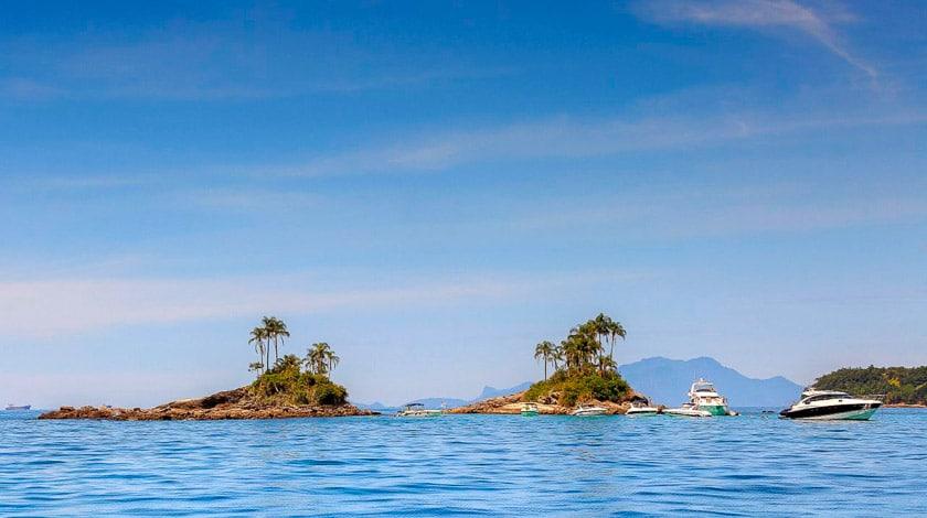 Horizonte das Ilhas Botinas, em Angra dos Reis
