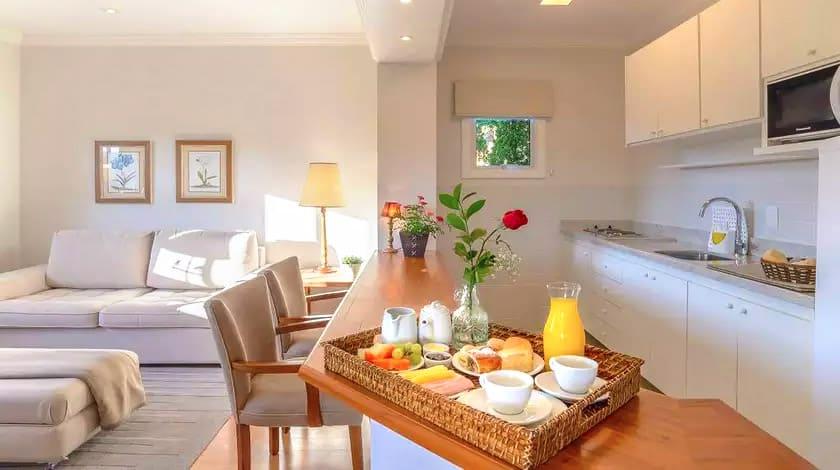 Café da manhã no quarto do Là-Bar Suites de Montagne