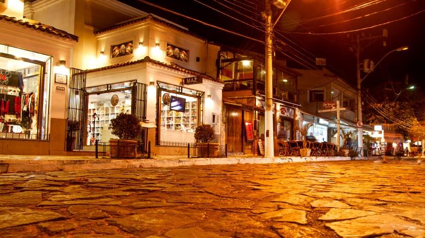 Lojas da Rua das Pedras, uma das maiores atrações de Búzios