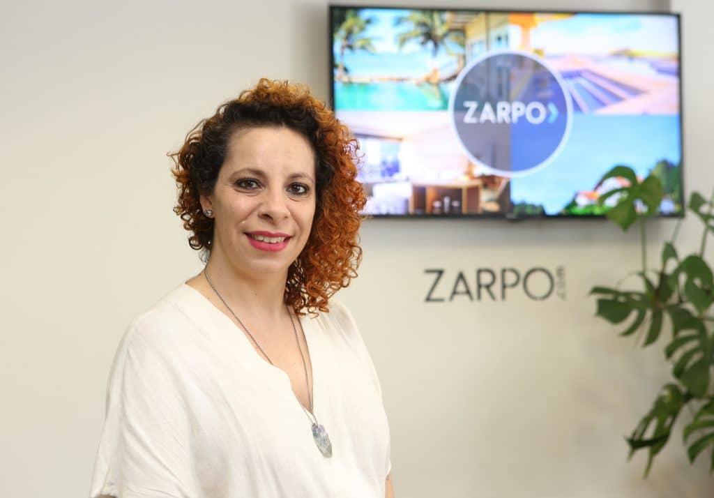 Ana Beatriz, gerente do SAC do Zarpo