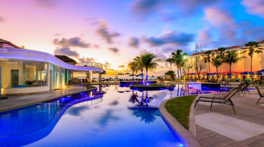 Foto da piscina do hotel Marupiara