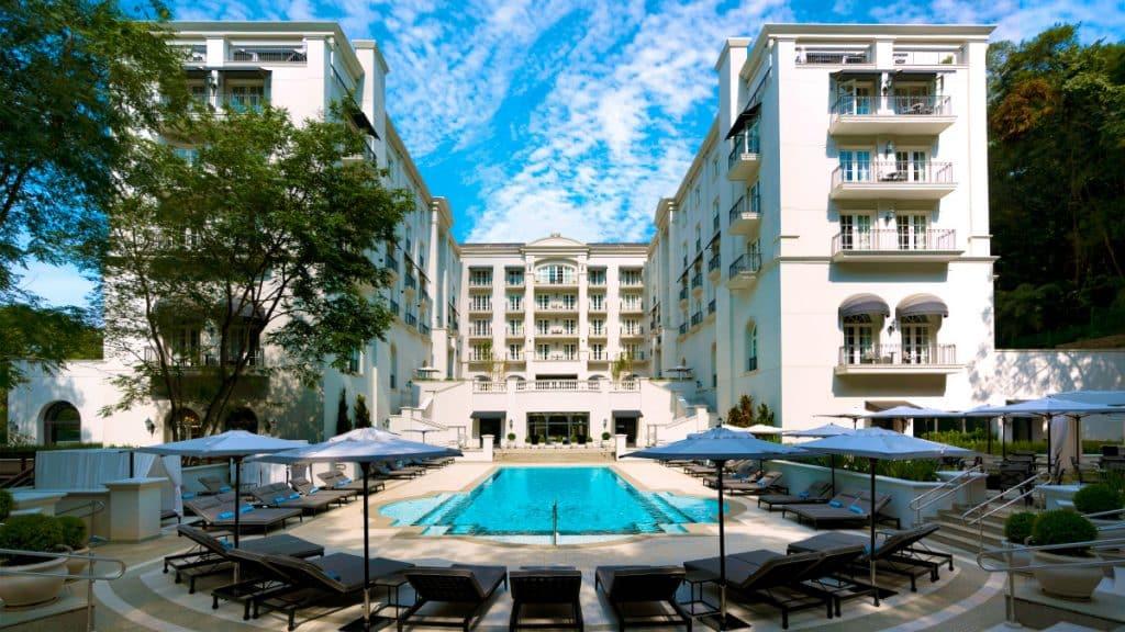 Foto da piscina do Hotel Palácio Tangará