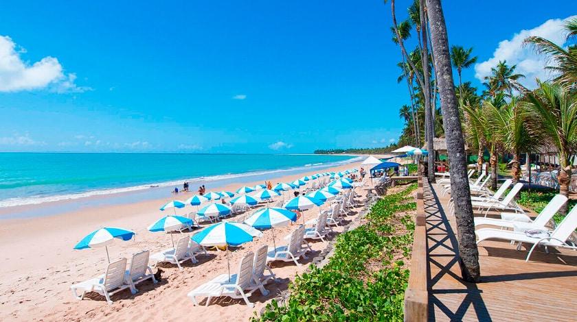 Praia de Ipioca, em Maceió, onde o resort oferece serviço de praia