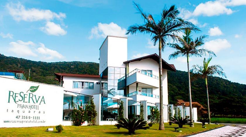 Fachada do Reserva Praia Hotel, em Balneário Camboriú