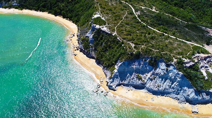 Vista aérea da Praia do Espelho, em Trancoso