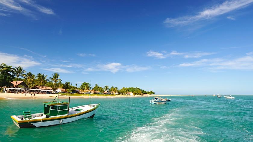 Praia em Arraial d'Ajuda, na Bahia