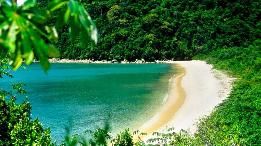 Praia Vermelha, em Paraty