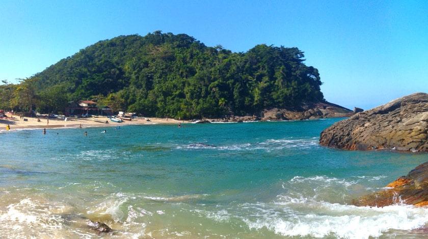 Praia do Meio, na Vila de Trindade
